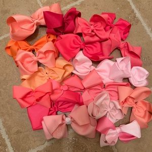 Accessories - Set of 19 pink and orange girl hair bows